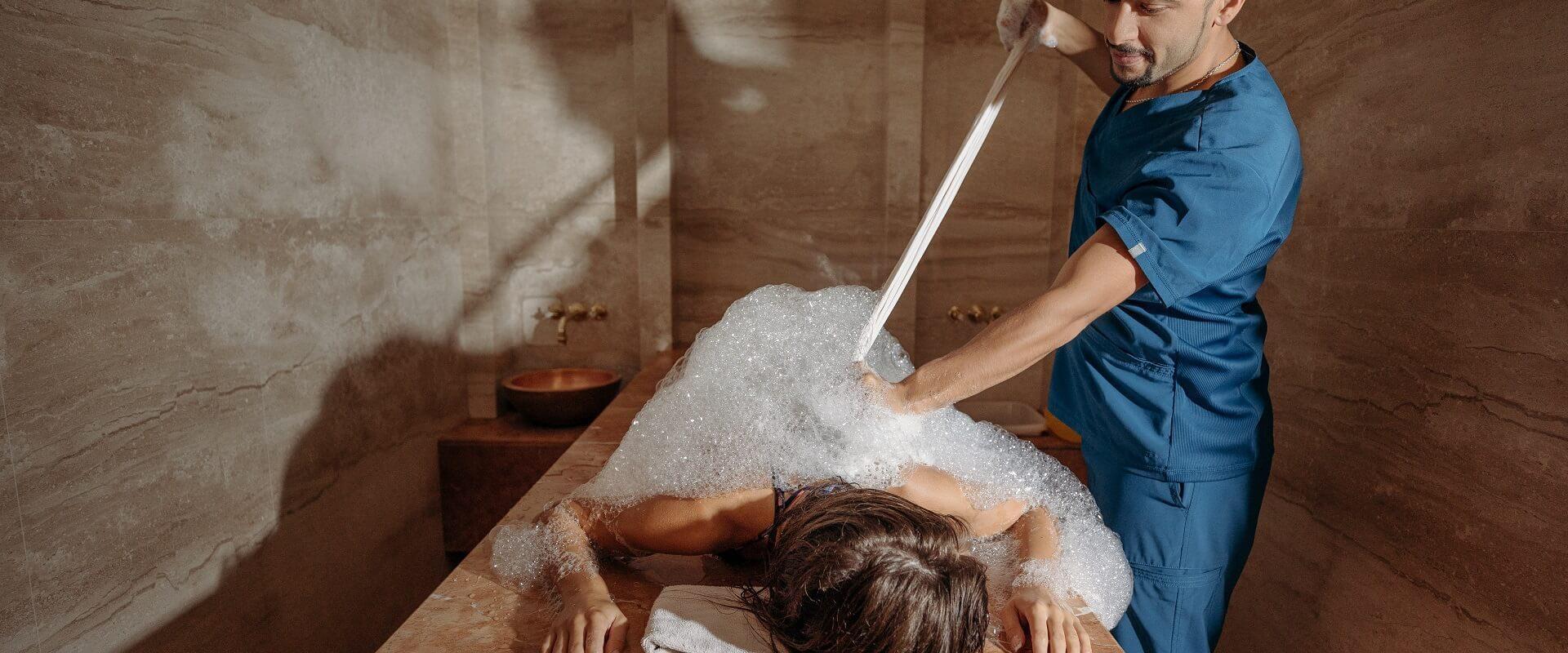 Užsisakę procedūrą gaukite DOVANĄ –  limfodrenažinį masažą kojoms!