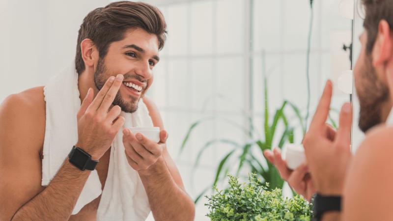 Patarimai vyrams – kaip tinkamai prižiūrėti veido odą