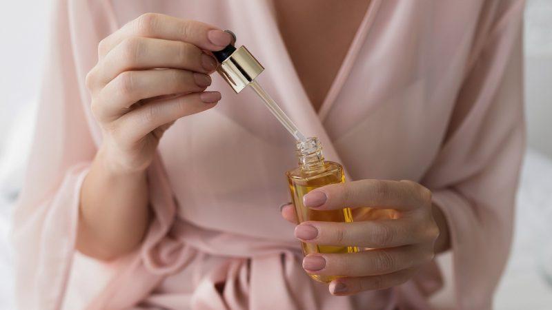 Kuo serumas skiriasi nuo kitų odos priežiūros produktų?