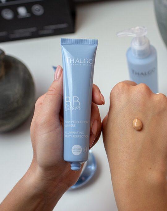 BB drėkinamasis kremas tobulam odos švytėjimui THALGO