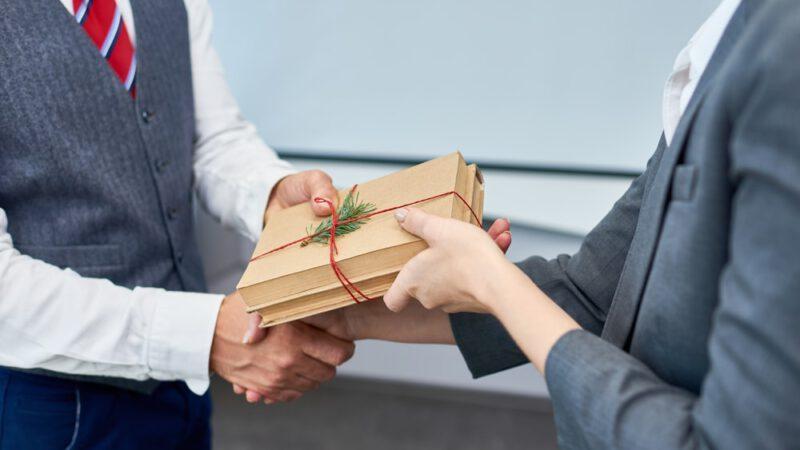 Verslo dovanos – partneriams ir darbuotojams